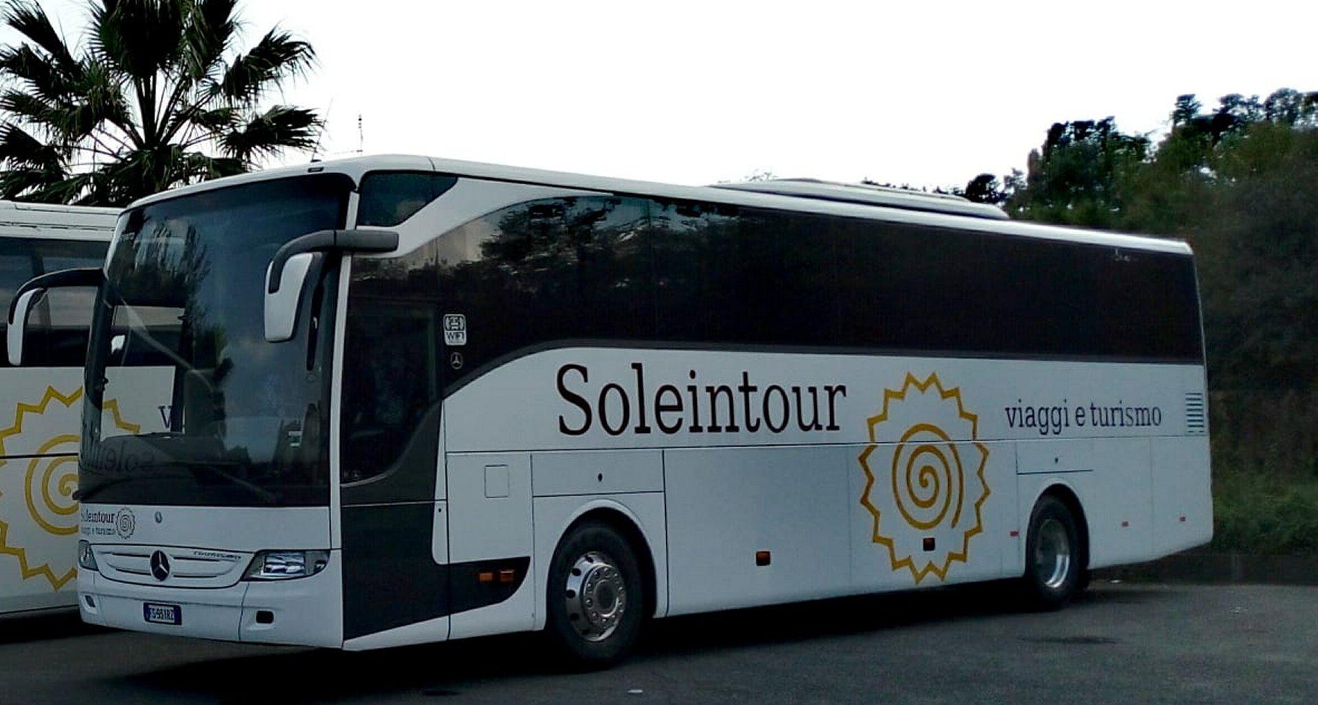 mercedes-tourismo-rhd-